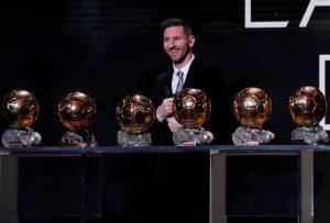 Les infos du jour : le Ballon d'Or pour Lionel Messi, Cristiano Ronaldo l'a mauvaise