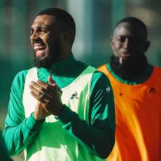 EXCLU : M'Vila devrait bien rejouer avec les Verts !
